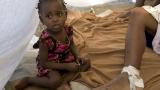18-месечно бебе бе намерено живо под развалините в Хаити