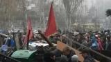 Сепаратисти атакуват военна част в Мариупол (ВИДЕО)