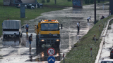 Доброволци отводниха кръстовището на НДК  (СНИМКИ)