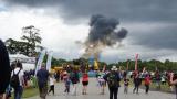 Самолет се разби пред очите на стотици хора