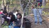 Бургаски патриоти задържаха 23 афганистанци, проверяват ги за каналджийство (СНИМКИ/ВИДЕО)