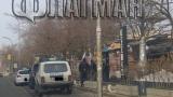 "Полицаи с кучета нахлуха в култовия  бургаски бар ""Кашмир"" (СНИМКИ)"