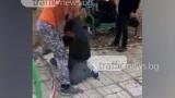 Брутално насилие в Пловдив! Тийнейджър смля от бой свой връстник посред бял ден (СНИМКИ/ВИДЕО 18+)