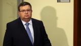 Цацаров: Цветан Василев е беглец от закона!