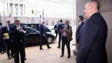 Невероятно уникални СНИМКИ показаха как Борисов посрещна Юнкер в МС