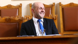 Мрежата прегря заради наръчник на вицепремиера Дончев