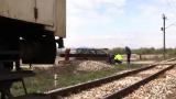 Кола се удари в бързия влак София - Бургас