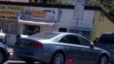 Любовница на богат ресторантьор помете с лъскаво ауди две коли в Бургас