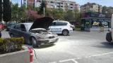 Огнен ужас пред бургаски мол! БМВ пламна като факла (СНИМКИ)