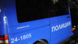 Пак безчинство: Хулигани нападнаха полицаи и трошиха патрулки в Плевенско