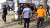Извънредно! Нов ужас в Карловско заради двата цигански клана, полиция и жандармерия завардиха района