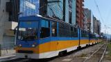 Зверска верижна катастрофа с трамвай, Ауди и микробус в София (СНИМКИ)