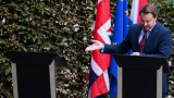 Премиерът на Люксембург обиди Борис Джонсън и успя да направи немислимото ВИДЕО