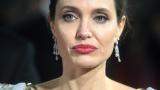 Анджелина Джоли без фотошоп - истинска старица! СНИМКИ