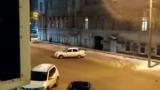 Уникален инцидент: Lada Priora без водач започна сама да се движи по улицата ВИДЕО