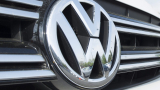 Първи КАДРИ на Volkswagen Arteon комби и новия Seat Leon