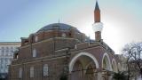 Турция затваря джамиите заради COVID-19