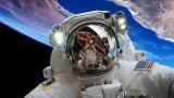 Мистериозно НЛО бе запечатано до МКС по време на живо предаване ВИДЕО