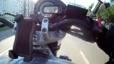 Зрелищни ВИДЕА: Моторист форсира на задна гума и стана кошмарно меле