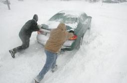 Златна жътва за сервизите - снегът ни остави без гуми и акумулатори