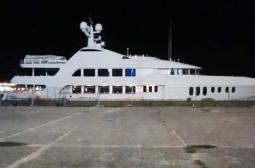 Плаващ дворец шашардиса варненци - кой мегабогаташ акостира в пристанището? СНИМКИ