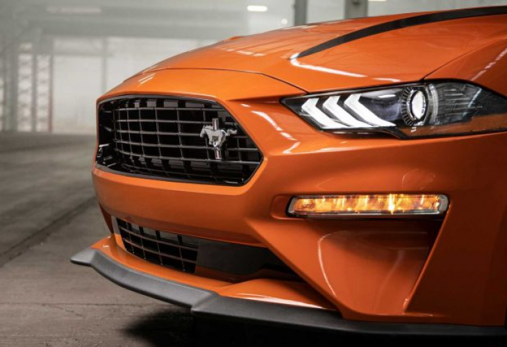 Ford представи новия Mustang 2.3L High Performance Package (СНИМКИ)
